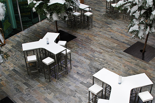Mietmöbel von Eventwide Tirol - weiße Tische